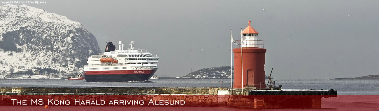 The MS Kong Harald arriving at Ålesund