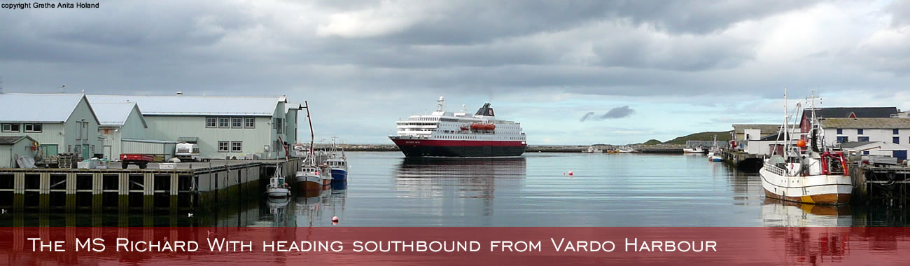 >The MS Richard With heading southbound from Vardø Harbour
